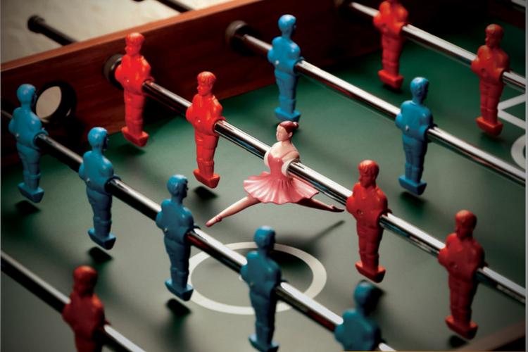 Стоит ли менеджеру делать работу за других?